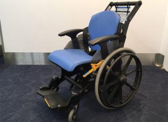 車いすで空の旅。航空会社が独自の車いすを導入