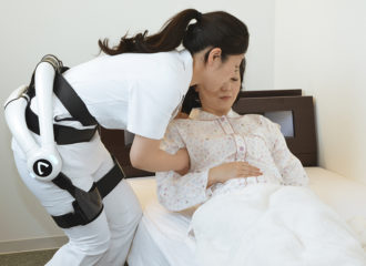 広がりを見せる介護ロボット